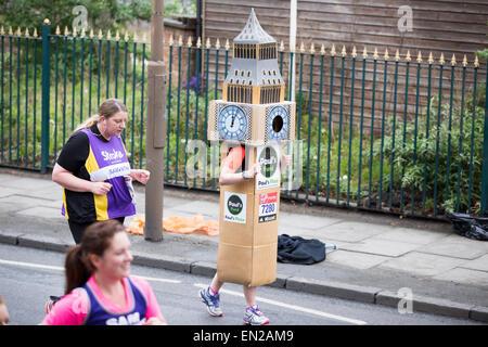Virgin Money London Marathon 2015, Shooters Hill Road - Stock Photo