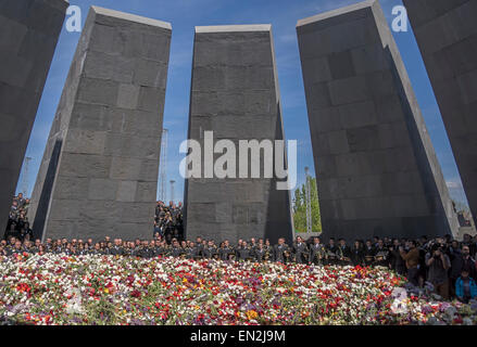 Yerevan, Armenia. 25th Apr, 2015. Armenian military at commemoration at 100th anniversary of the Armenian genocide - Stock Photo