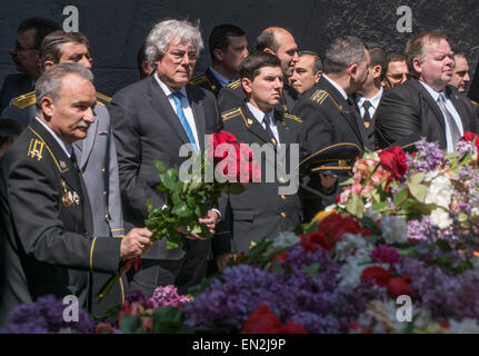 Yerevan, Armenia. 25th Apr, 2015. European Union delegates and Armenian military at commemoration at 100th anniversary - Stock Photo