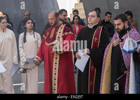 Yerevan, Armenia. 25th Apr, 2015. Clergy leading commemoration at 100th anniversary of the Armenian genocide at - Stock Photo