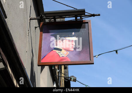 The sign outside the Duke of Cambridge Bar in Little Clarendon Street, Oxford, U.K depicts Prince William. - Stock Photo