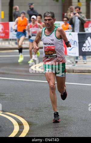 Mendes of Portugal running at the 2015 Virgin Money London Marathon - Stock Photo