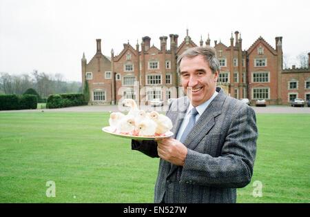 Turkey Farmer Bernard Matthews, founder of Bernard Matthews Farms Limited, 20th April 1989. Pictured at residence, - Stock Photo