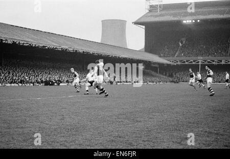 Burnley 2 v. Fulham 1. FA Cup semi-final replay. 9th April 1962 - Stock Photo