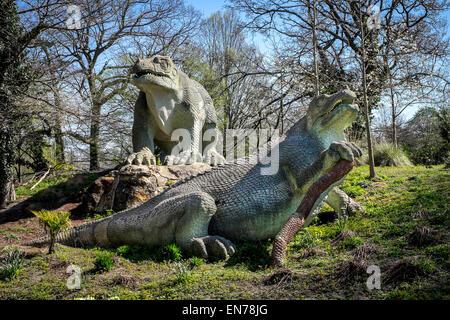 Crystal Palace Park Dinosaur Court Victorian dinosaur sculptures created by Benjamin Waterhouse Hawkins & Richard - Stock Photo