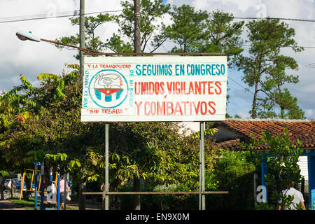 Cuba Vinales sign placard To Follow in congress united vigilant & combative - For the unity of my neighborhood Without - Stock Photo