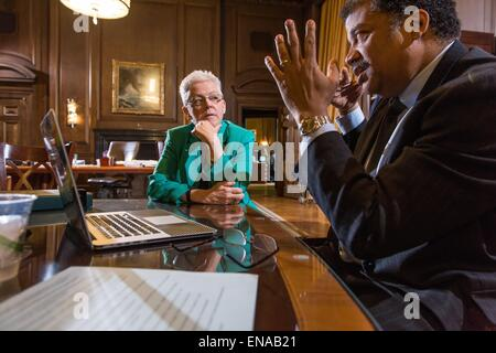 US EPA Administrator Gina McCarthy meets with celebrity Astro Physicist Neil deGrasse Tyson about climate change - Stock Photo