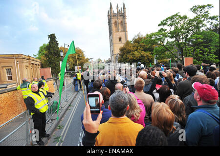 FILE PHOTOS: Oxford, Oxfordshire, UK. 1st May, 2011. Oxford May Morning. May Morning on Magdalen Bridge, where crowds - Stock Photo