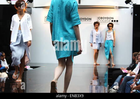 CROYDON, LONDON - JUNE 18 : Models in Fashion Festival on June 18, 2008 in Whitgift Shopping Centre, Croydon, England - Stock Photo