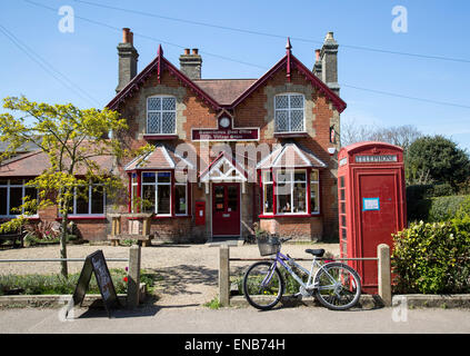 Post Office and Village store shop, Somerleyton, Suffolk, England, UK - Stock Photo
