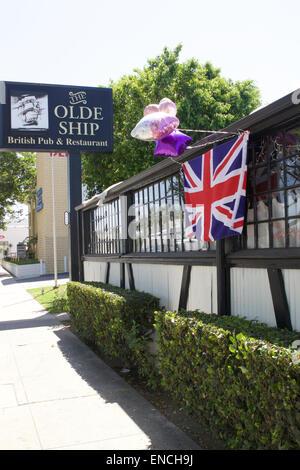 Santa Ana na, California, USA. 2nd May, 2015. As news of the royal birth spread  around the world  staff at the - Stock Photo