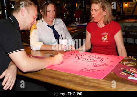 Santa Ana, California, USA. 2nd May, 2015. As news of the royal birth spread  around the world  staff at the Olde - Stock Photo