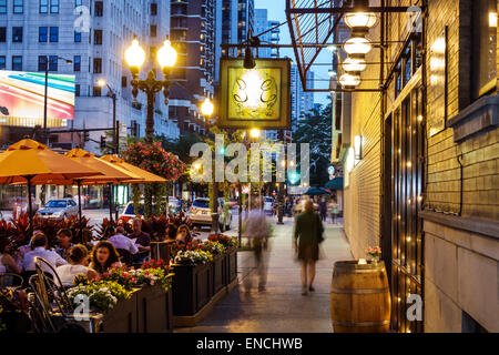 Chicago Illinois Gold Coast Historic District North Dearborn Parkway neighborhood nightlife night Eduardo's Enoteca - Stock Photo