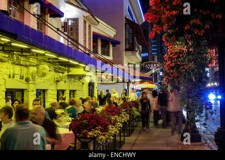 Chicago Illinois Gold Coast Historic District neighborhood nightlife night business dining Tavern On Rush Carmines - Stock Photo