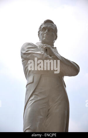 Statue of Sir Thomas Stamford Raffles, (6 July 1781 – 5 July 1826), a British statesman, and founder of Singapore - Stock Photo