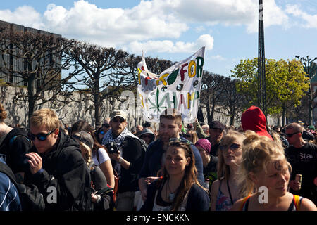 Copenhagen, Denmark. 2nd May, 2015. Participants in the Copenhagen rally for free cannabis, which departed from - Stock Photo