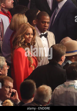 Las Vegas, Nevada, USA. 2nd May, 2015. JAY-Z and BEYONCE ringside to watch as F. Mayweather battle M. Pacquiao at - Stock Photo