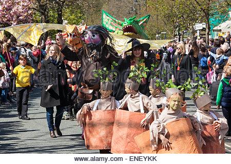 Ilkley Carnival Parade . Early Spring Bank Holiday 4th May 2015 Ilkley West Yorkshire England UK Credit:  Richard - Stock Photo