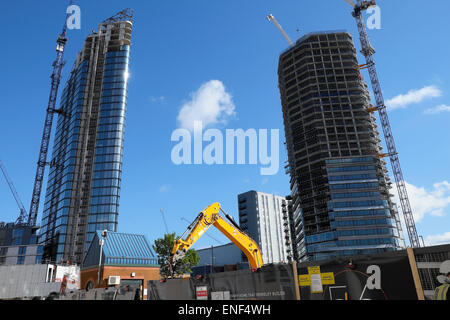 A view of the  Lexicon and Canaletto high rise luxury housing towers under construction near the new 250 City Road - Stock Photo