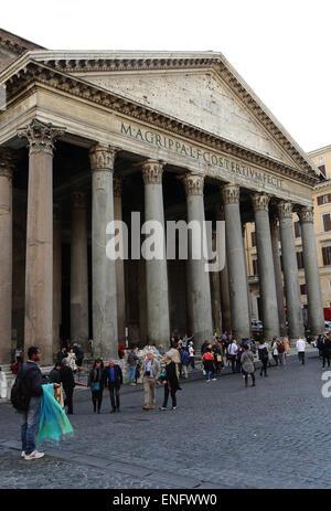 Italy. Rome. Pantheon. Roman temple. - Stock Photo