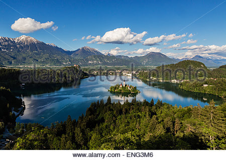 Aerial view of castle on island in still remote lake - Stock Photo