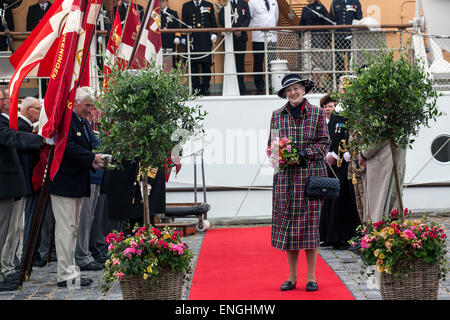 Helsingore, Denmark. 5th May, 2015. H. M. Queen Margrethe arrives onboard the royal ship, Danneborg, with the Prince - Stock Photo
