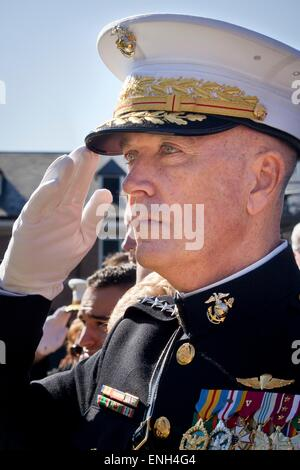 U.S. Marine Corps Gen. Joseph F. Dunford, Jr. salutes during the passage of command ceremony at the Marine Barracks - Stock Photo