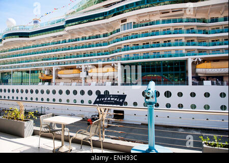 New Orleans Louisiana Port Of New Orleans Riverwalk Marketplace Stock Photo 41813572 Alamy