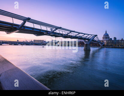 Looking down from the south bank from Millennium bridge to Blackfriars bridge. - Stock Photo