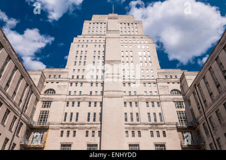 University of London Senate House and Library on Malet Street London - Stock Photo