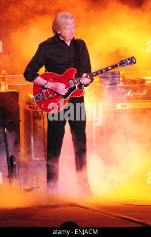 Los Angeles, CA, USA. 6th May, 2015. Musicians - JUSTIN HAYWARD and The Moody Blues live at the Greek Theater, Los - Stock Photo