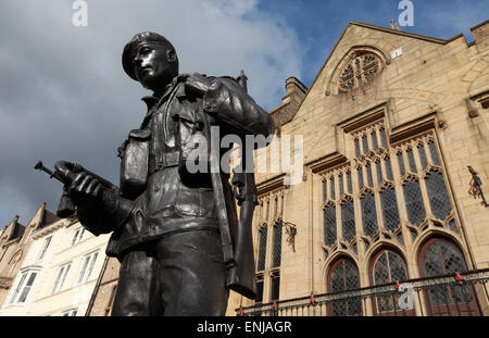 Memorial statue to the Durham Light Infantry by artist Alan Beattie in Durham Market Place with Market Hall in the - Stock Photo
