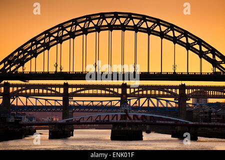 Newcastle upon Tyne skyline, Gateshead with the Tyne Bridge over River Tyne, Tyne and Wear, Tyneside, England, United - Stock Photo