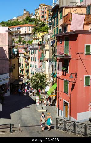 Narrow streets in the clifftop village of Riomaggiore, Cinque Terre, UNESCO World Heritage Site, Liguria, Italy, - Stock Photo