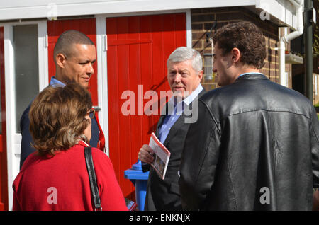 General Election 2015 -Alan Johnson canvassing with South Norwich labour candidate Clive Lewis, April 2015 - Stock Photo