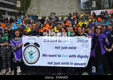 UNISON Living Wage protest on UEA campus, with Norwich South Labour candidate Clive Lewis, April 2015 - Stock Photo
