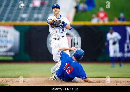 Omaha, NE, USA. 04th May, 2015. Round Rock Express first baseman Trever Adams #18 is forced out at 2nd base by Omaha - Stock Photo