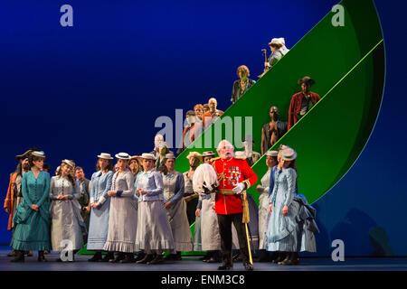 London, UK. 7 May 2015. Dress rehearsal of the Gilbert and Sullivan comic opera 'The Pirates of Penzance' at the - Stock Photo