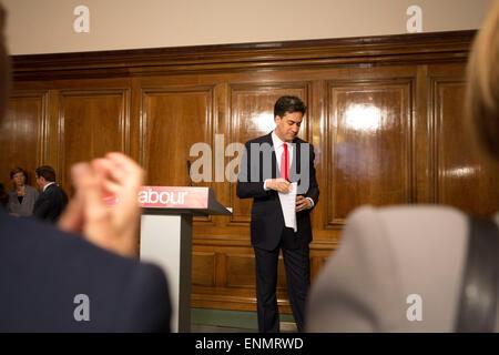 London, UK. 8th May, 2015. Ed Miliband resigns after UK Election defeat. Whitehall, London,UK 08.05.2015 Ed Miliband, - Stock Photo