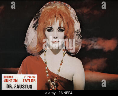 Doctor Faustus, UK, 1967, Regie: Richard Burton, Nevill Coghill, Darsteller: Elizabeth Taylor - Stock Photo