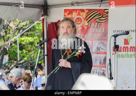 Toronto, Canada. 9th May 2015. Dean of Holy Trinity Russian Orthodox Church in Toronto protopriest Vladimir Malchenko - Stock Photo