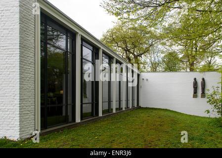 Ernst Barlach House in the Jenischpark, built 1962 by Werner Kallmorgen, Hamburg, Germany - Stock Photo