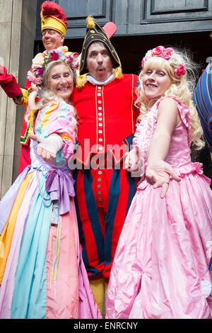London, UK. 10th May, 2015. The annual Covent Garden May Fayre & Puppet Festival features Punch and Judy professors - Stock Photo