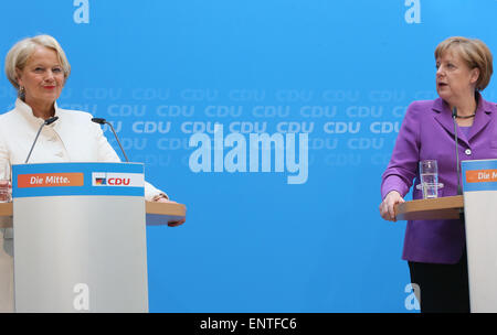 Berlin, Germany. 11th May, 2015. German Chancellor Angela Merkel (CDU, R), Christian Democrats (CDU) top candidate - Stock Photo