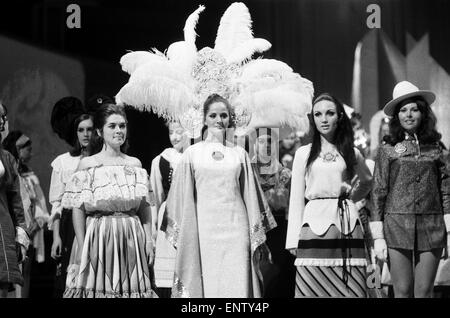 Miss World Contestants in traditional dress, at the Royal Albert Hall, 27th November 1969. Pictured: L-R Miss Costa - Stock Photo