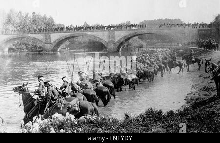 British cavalry watering their horses at a river in France. Circa October 1914 Original Caption: Lancers watering - Stock Photo