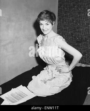English jazz singer and actress Annie Ross, who appears in the show 'Cranks' 20th March 1956. - Stock Photo