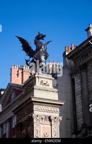 Temple Bar dragon sculpture Fleet Street entrance to and boundary of City of London England UK - Stock Photo