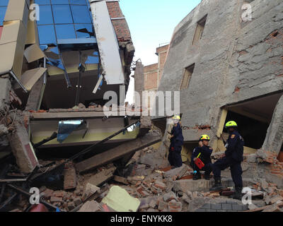 Kathmandu, Nepal. 12th May, 2015. A fresh earthquake has occurred in Nepal. Photo shows American rescuers today - Stock Photo