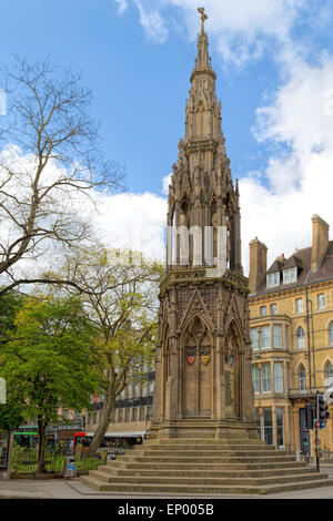 The Martyrs' Memorial is a stone monument standing at the intersection of St Giles, Magdalen Street and Beaumont - Stock Photo